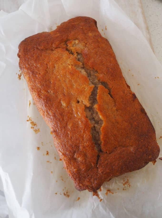 Easy Banana and Pineapple Cake Recipe