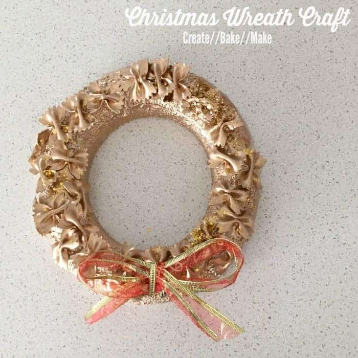 Christmas Craft for Kids – Festive Christmas Wreath
