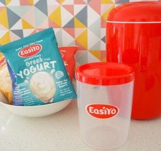 How to Make Your Own Yoghurt and an Easiyo Yoghurt Maker Review