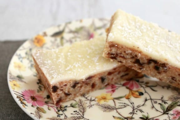 Lemon and Date Slice