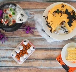 Halloween Piñata Cake and Party Table Ideas