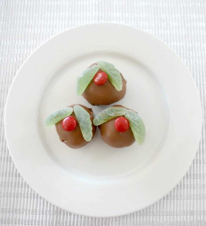 Christmas Mint Cheesecake Balls 1