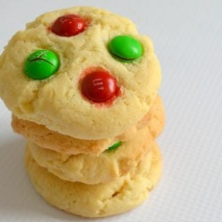 Vanilla Christmas Cookies and Win a Bakers Secret Gift Pack