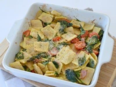 Creamy spinach and bacon pasta bake create bake make for Creamy spinach pasta bake