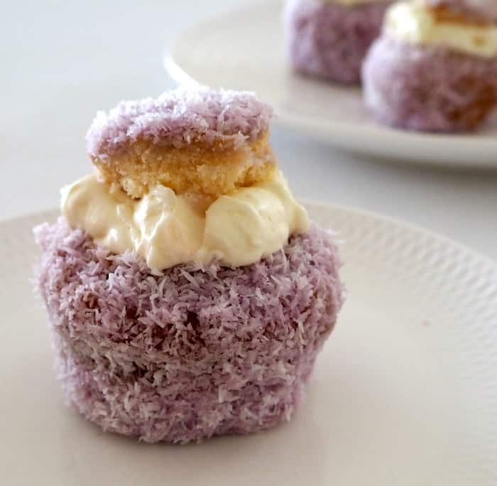Jelly Cakes with Cream