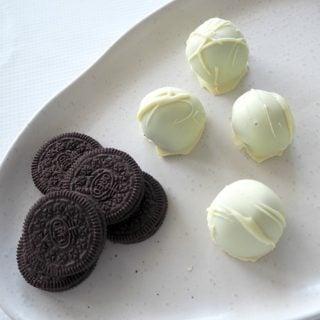White Chocolate Oreo Cheesecake Balls