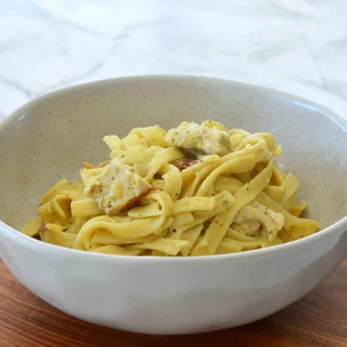 Creamy Chicken and Bacon Pesto Pasta