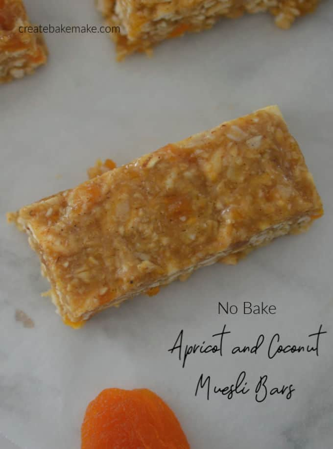 Easy No Bake Apricot Muesli Bars Recipe. Both regular and Thermomix instructions included.